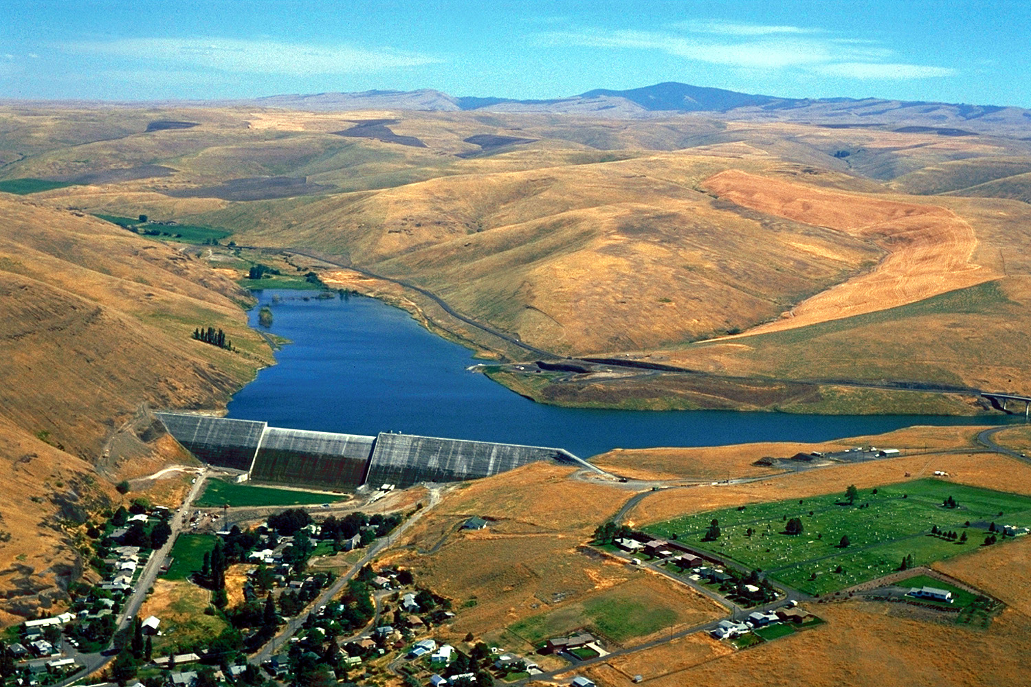USACE_Willow_Creek_Dam_Oregon